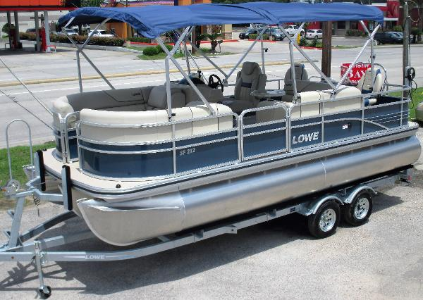 2016 LOWE BOATS SF212
