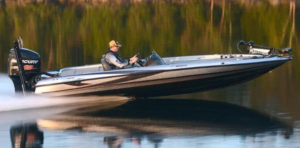 2017 TRITON BOATS 21 TRX Patriot