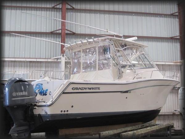 2009 Grady White 330 EXPRESS