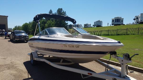 larson 190 boats for sale rh smartmarineguide com Engine 2001 Larson 2001 Larson Boat Bimini Top