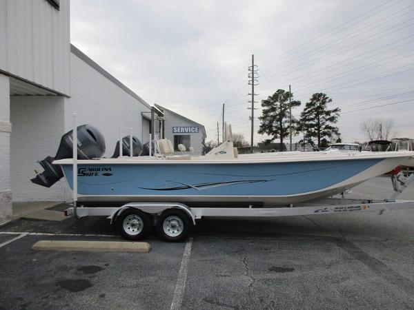 2017 Carolina Skiff 238 DLV