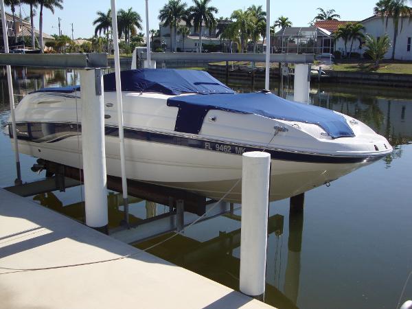 2004 Chaparral 254 Sunesta Deckboat