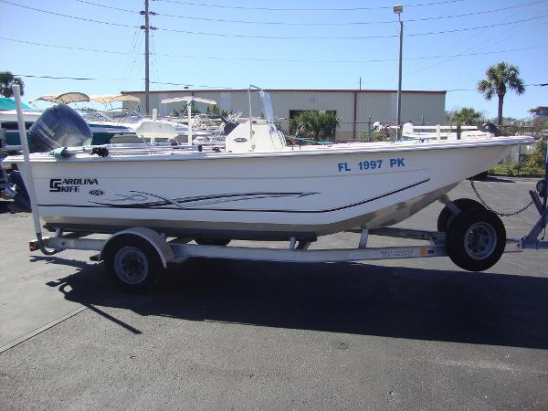 2012 Carolina Skiff DLV198