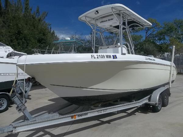 2005 Sea Chaser 2100 Offshore Center