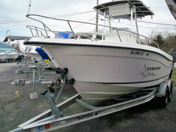 2003 Seaswirl Striper 2101 CC