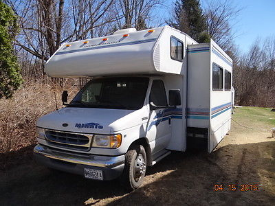 WINNEBAGO MINNIE 31' MOTORHOME WITH V10 Ford GAS ENG & AUTOMATIC