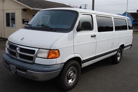 1999 Dodge Ram Wagon 3500 Passenger Maxi Van