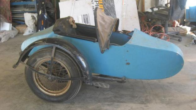 Harley Davidson Sidecar 1942 with frame and mounts