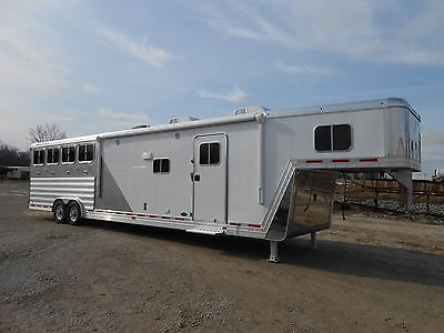 2014 Featherlite Model 8581 4 horse Aluminum Trailer w/15' Living Quarters