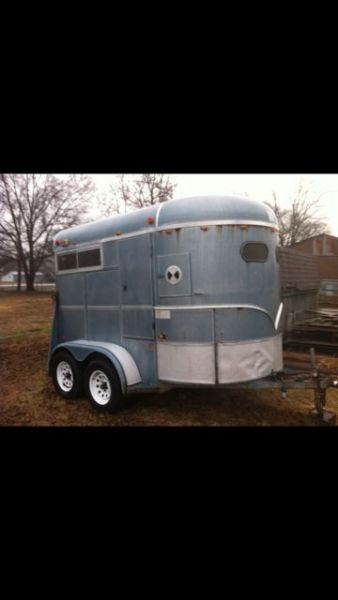 1995 WW Thoughbred 2 Horse Trailer