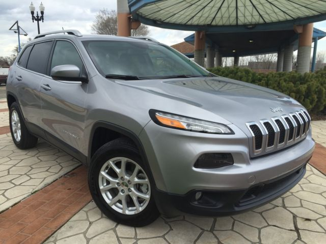 Jeep : Cherokee Latitude 4x4 2014 jeep cherokee latitude 650 miles 4 x 4 v 6 clear title no reserve lcd screen