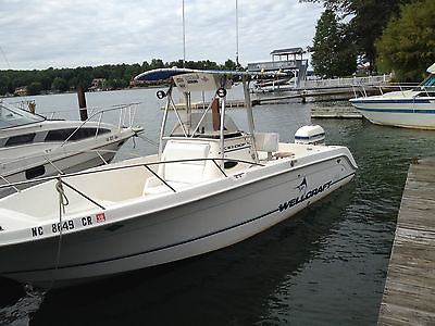 1995 Wellcraft 238CCF Center Console Fishing Boat w/ 200HP Evinrude Outboard