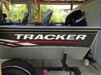 tracker  16 pro guide v16 60hp 4 stroke mercury sc