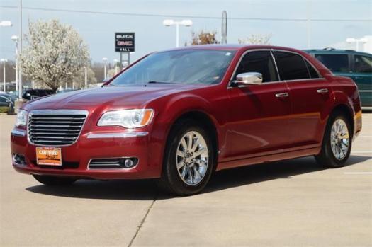 2012 Chrysler 300 4dr Car Limited