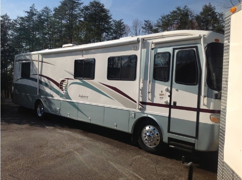 2000 Holiday Rambler Endeavor 38