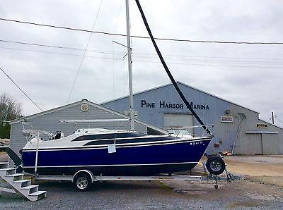 2005 Macgregor 26M Blue Hull Sailboat