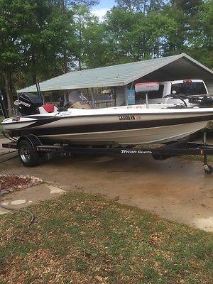 2005 Triton TR 186 Bass Boat