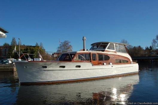 1949 Chris Craft Double Cabin Cruiser