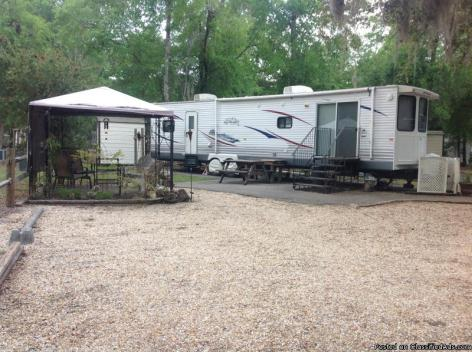 FLA Sounds Great? BE here in your RV PK MDL with Deeded LOT included! you OWN...
