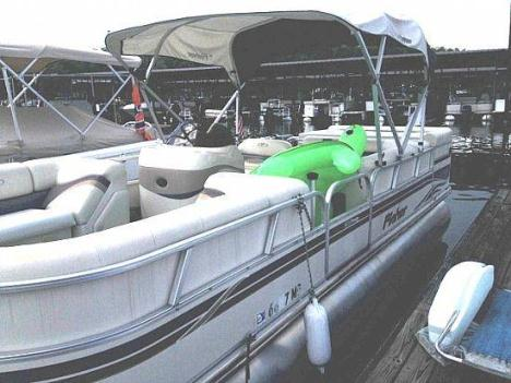 2006 Fisher Freedom 24