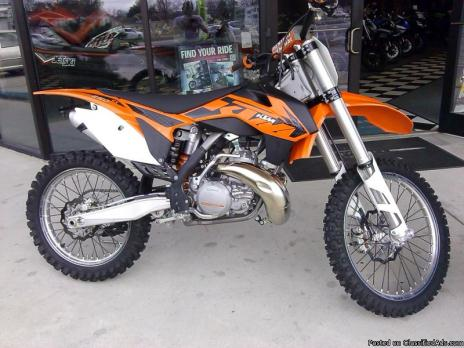 Used 2013 KTM 250-SX. Barely Ridden, 1.5 hours total time on bike