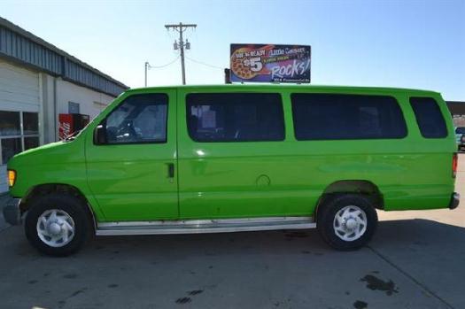 2001 Ford Econoline Wagon XL - Wrights Auto Sales, Emporia Kansas