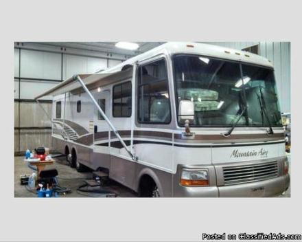 1997 Mountain Aire by Newmar