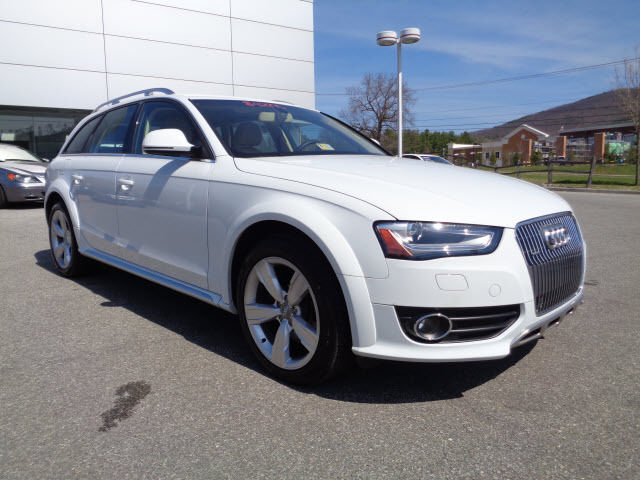Audi : Allroad 2.0T quattro 2.0 t quattro 2.0 l sunroof nav chrome power driver s seat power passenger seat 3
