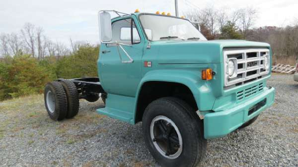 1984 GMC C6000 CAB-CHASSIS