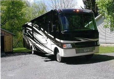 2011 Damon Motor Coach Daybreak 2 Slides Gas 2 Slides 36FT