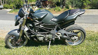 MV Agusta : Brutale S MV Agusta Brutale S Naked Super Bike Grey & Carbon Fiber