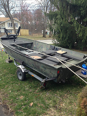 1990 / 16'  Grumman Bass/Duck Boat. Including trailer