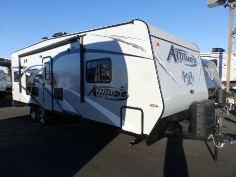 2016  Eclipse  ATTITUDE 25FSG  FRONT WALK AROUND BED  REAR DUAL ELECTRIC BEDS  CAPTAIN CHAIRS  SLEEPS 7  ONAN 4000 GENERATOR