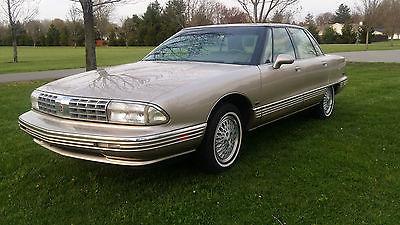 Oldsmobile : Other REGENCY 1992 oldsmobile 98 regency 4 dr sedan v 6 fully loaded one owner well maintained