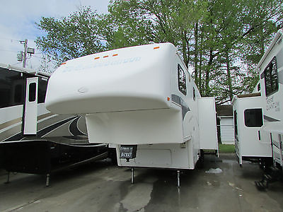 2005 Glendale Titanium E2934RL Fifth Wheel,  Slide Out,  Rear Lounge, Video