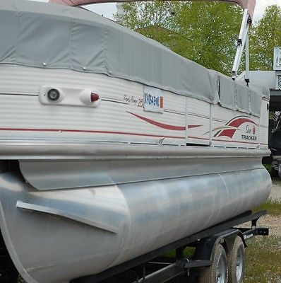25 Tracker Pontoon (Party Barge) 2008 Purchased new in 2009