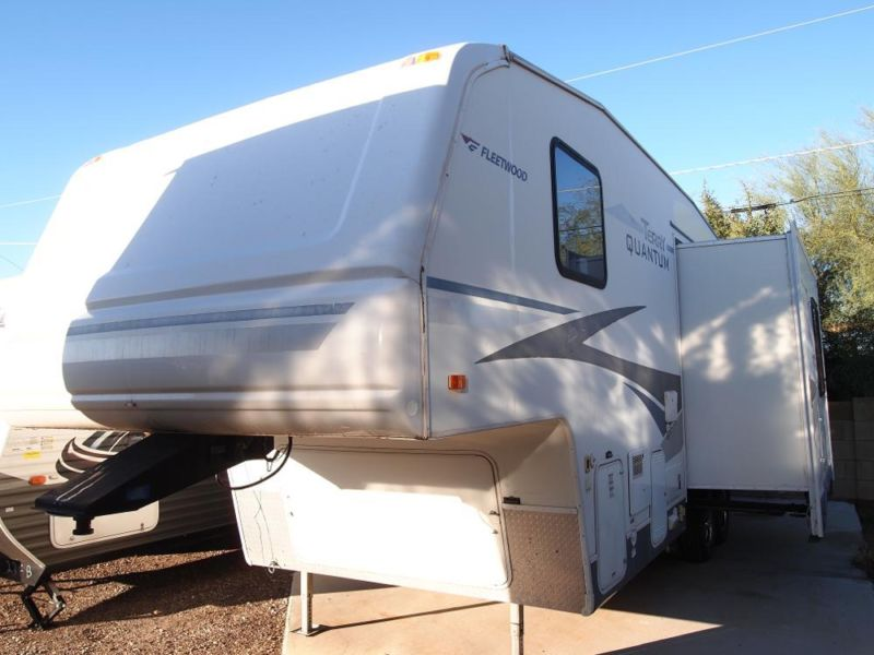 2005 Terry Quantum 255 Fifth Wheel w/2 Slides