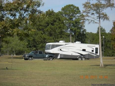 2007 Montego Bay 5th Wheel