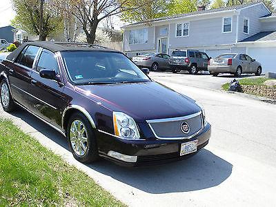Cadillac : DTS Platinum Sedan 4-Door BLACK CHERRY MOON ROOF 71K MILES MINT GARAGED CONDITION