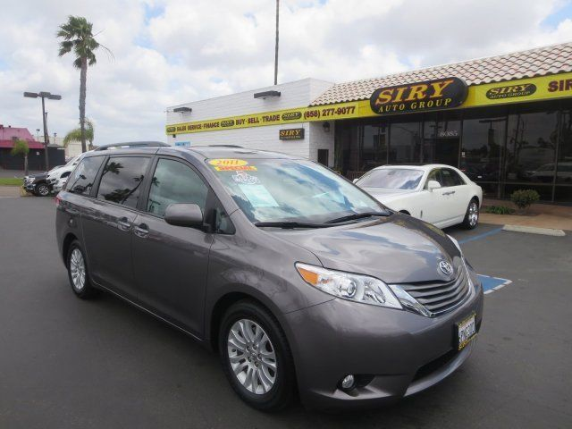 Toyota : Sienna Ltd w/ Toyot 2011 toyota sienna handicapp package keyless start power steering