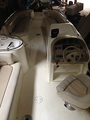 Searay 25' Open Bow Deck Boat Fabulous Family or Party Boat