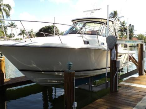 2005  Pursuit  3100 Offshore
