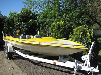 19ft. CHARGER BOAT (Yellow/ White) WITH TRAILER & MOTOR