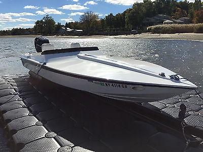 22 Activator Speed Boat - Mercury 300x - Stainless Marine hydraulic jack plate