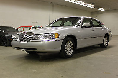 Lincoln : Town Car 1998 LINCOLN TOWN CAR SIGNATURE SERIES ** INCREDIBLY CLEAN !!! ** 1998 LINCOLN TOWN CAR SIGNATURE SERIES **