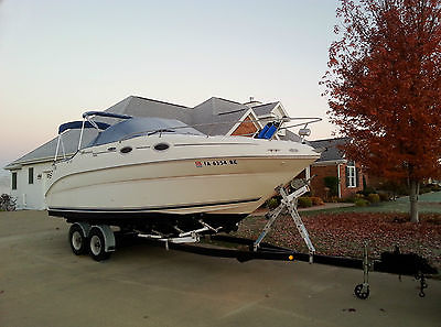 2004 Sea Ray 240 Sundancer Express Cruiser with EZ-Loader Trailer