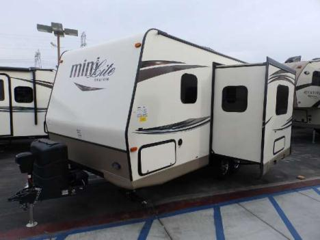 2015  Forest River  ROCKWOOD 2104S  1 SLIDE  FRONT WALK-AROUND MURPHY BED  REAR BATHROOM  POWER AWNING  HEATED MATTRESS  HEATED HOLDING TANKS