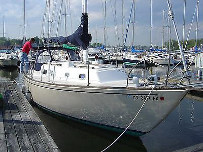 Pearson 35 Cruising Sloop, Sailboat, Yacht, Bill Shaw