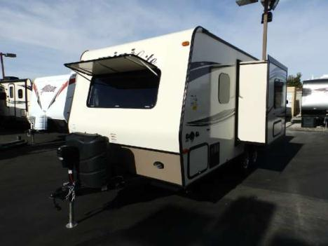 2016  Forest River  ROCKWOOD 2109S  1 SLIDE  SAPPHIRE PACKAGE  FRONT WALK-AROUND BED  REAR BATHROOM  POWER AWNING  HEATED HOLDING TANKS