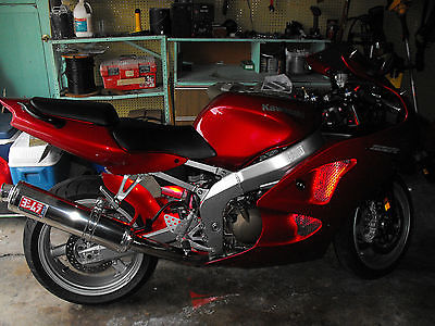 Kawasaki : Ninja 2007 red zzr 600 kawasaki with tons of after market parts low miles